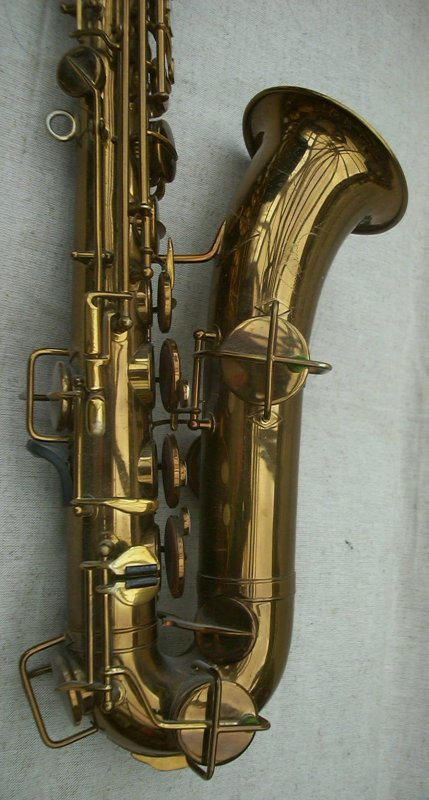 Click here to see some pictures of my favourite 1930's Martin Handcraft C-melody Sax